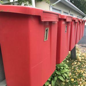 Postilaatikoita rivissä