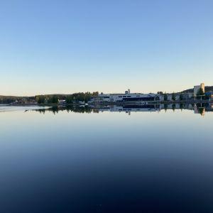 Kuopion Siikarantaa järveltä päin katsottuna