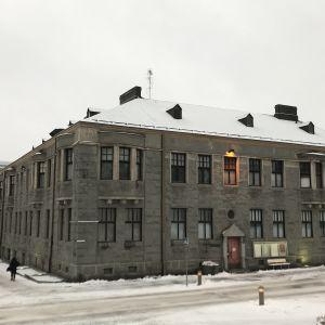 Mikkelin Graniittitalo joulukuussa 2019.