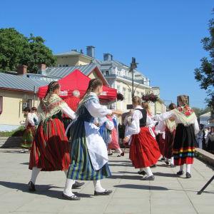 Folkdans i Pargas sommaren 2013