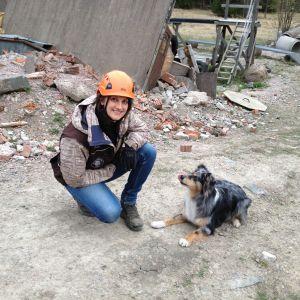 Gabi Tuomi och hunden Scifi
