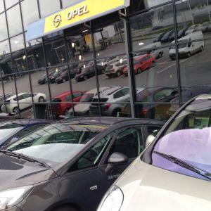 Bilar till salu i Karleby