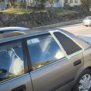 autoon on murtauduttu kuva 171