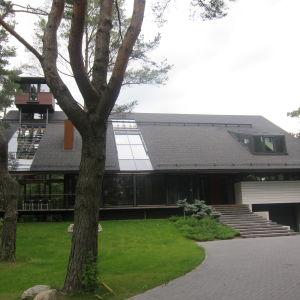 Omakotitalo Tallinnassa, suunnittelija Raul Vaiksoo