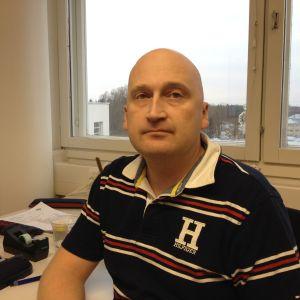Thomas karlsson är alkoholforskare vid THL och disputerar om konsumtionen i Norden.
