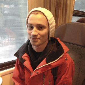 NN åker tåg från Ekenäs till Karis