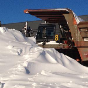 Tunga fordon vintertid i Talvivaara