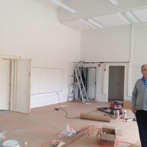 Den nya musiksalen i Karis svenska högstadium är snart färdig att tas i bruk.