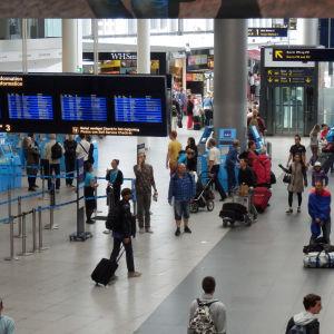 Rörig avgångshall, Kastrup flygplats
