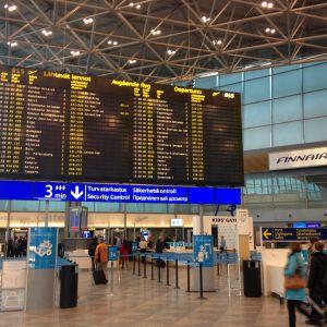 Det var inga långa köer på Helsingfors-Vanda flygplats trots strejken.