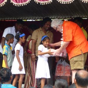 Pentti-Oskari Kangas Sri Lanka lapset kengät hyväntekeväisyys