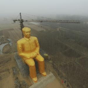 Jättestaty av mao i Kina som revs bara några dagar efter att den blev klar