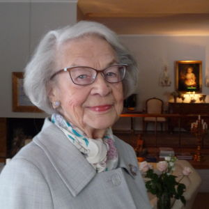 Brita Lindberg i sitt hem i Helsingfors
