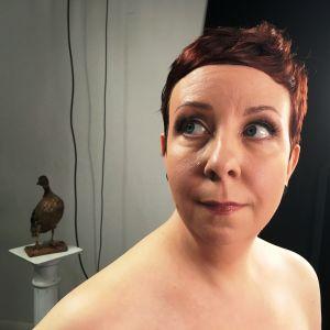 Näyttelijä Jenni Kokander