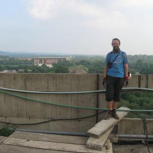 Matti Rämö Chandigarhin hallintorakennuksen katolla
