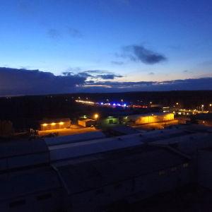 Trafikstockning mellan Kvevlax och Smedsby.