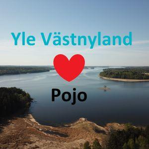 En bild av en bergig havsvik från luften med texten Yle Västnyland och en bild av ett hjärta och texten Pojo.