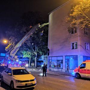 En brandbil utanför Kåren i Åbo.