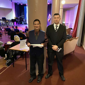 Savonlinnan seudun romaniyhdistyksen puheenjohtaja Ossi Blomerus ja poikansa Tenho Blomerus.