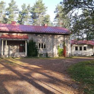 Askersgården i Svartå sepember 2020, några dagar innan byggnaden rivs.