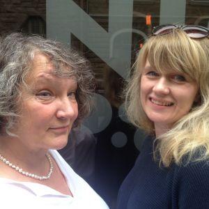 Författaren Monika Fagerholm och skådespelaren Sonja Ahlfors