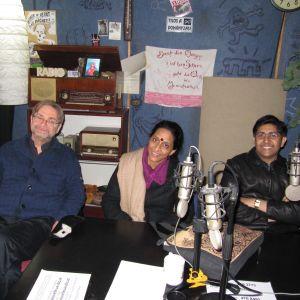 Eero Hämeenniemi; Bombay Jayashri ja Sai Shravanam radiostudiossa.