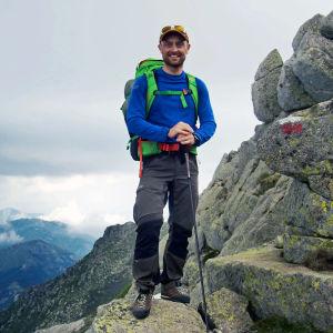Peter Jofs på en bergsvandring på Korsika.