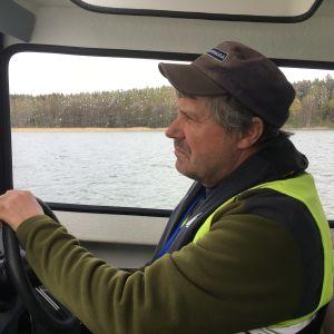 Kenneth Nordqvist övervakar fiskeriet