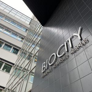 Ingången till Biocity i Åbo.