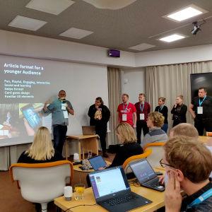 Nordic Hack Day 2018 voittaja tiimi esittelee heidän uudistetun version artikkelista
