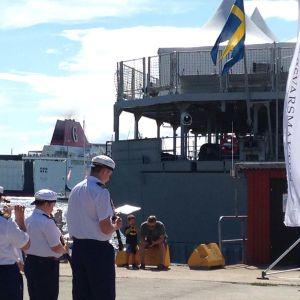 Den svenska flottan visar upp sig i Visby.