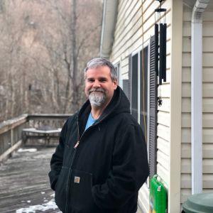 John Ord bor i Susquehannam, Pennsylvania, och bränner antracit för att värma upp sitt hem.