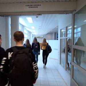 Elever i Karleby svenska gymnasium.