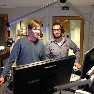 Jonas Blomqvist och Niclas Lundqvist var nöjda med första morgonen i den nya studion.
