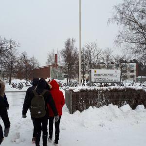 Donnerska skolan och Karleby svenska gymnasium.