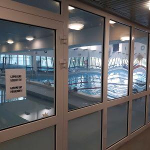 Simhallen i Jakobstad skall renoveras småningom