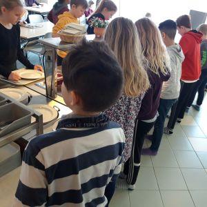 Elever i Kyrkoby skola i Pedersöre.