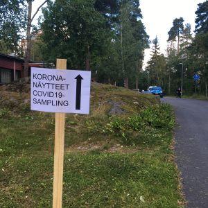 Koronavirustestausta Turun Varissuolla.
