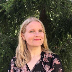 Elina Henttonen, Valtaamo