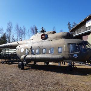 Mi-8 helikopteri HS-6
