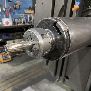 Metalliteollisuuden kone
