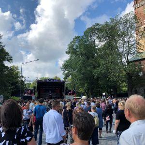 DBTL festivaalin yleisöä 2021.