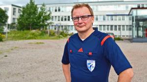 Jan-Erik Eklöf i sin domarskjorta.