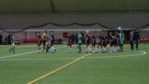 Fotbollsmatch i Tellushallen.