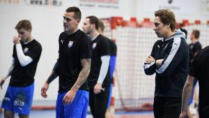 Nico och Andreas Rönnberg på BK:46 träningar i januari 2021.