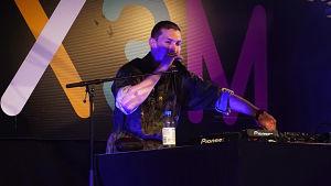 """New Dimension uppträder på evenemanget """"X3M på Drakan""""."""