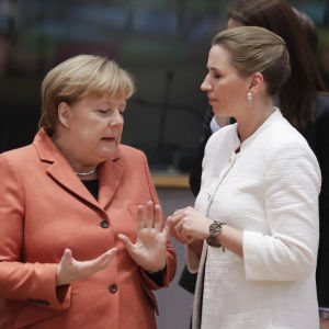 Tysklands förbundskansler Angela Merkel och Danmarks statsminister Mette Frederiksen.