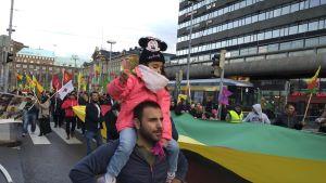 Demonstration i Helsingfors mot Turkiets intrång i Syrien