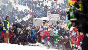 Världscupveckoslutet i Holmenkollen resulterar alltid en stor folkfest.