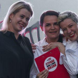 Den vitryska kvinnotrojkan som representerar oppositionen i augusti 2020 - Viktoria Tsepkalo, Svetlana Tichanovskaja och Maria Kalesnikova